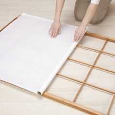 Monter une cloison japonaise est une démarche accessible à toutes.