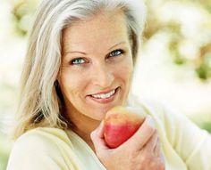 Zahnfleischentzündung (Gingivitis) Zahnfleischbluten? Das sollten Sie nicht ignorieren. Oft steckt eine Zahnfleischentzündung dahinter. Und die kann zu Parodontitis und sogar zum Zahnausfall führen. Gegen entzündetes Zahnfleisch helfen oft schon einfache Mittel