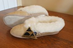 Kiwi Sheepskin slippers made in New Zealand available on E-Bay classified.  Super low price but only have size 5