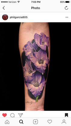 Flower Tattoos like sunflower tattoos and lotus flower tattoos are popular but there is more! Discover beautiful variations of floral tattoos now! Gladiolas Tattoo, Gladiolus Flower Tattoos, 3d Flower Tattoos, Realistic Flower Tattoo, Hibiscus Tattoo, Beautiful Flower Tattoos, Flower Tattoo Designs, Rose Tattoos, Tatoos