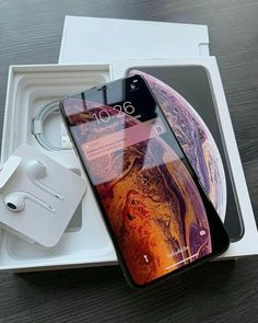 iphone xs maxx🤠 - t e c h - Electrónica Free Iphone, Iphone 11, Iphone Cases, Iphone Mobile, Apple Iphone, Iphone 7 Plus 32gb, Apple Watch, Telefon Apple, Apple Smartphone