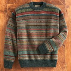 The designs on a ceramic pot found at Pariti are the inspiration for our striped alpaca sweater. Look Fashion, Winter Fashion, Mens Fashion, Fashion Outfits, Cool Outfits, Casual Outfits, Winter Mode, Vintage Sweaters, Casual Sweaters