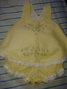 Smocked Baby Dresses, Baby Girl Dresses, Baby Boy Knitting, Baby Knitting Patterns, Kids Summer Dresses, Baby Boutique Clothing, Sewing Kids Clothes, Baby Girl Dress Patterns, Baby Frocks Designs