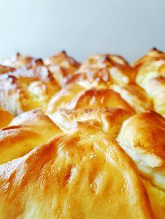 Túrós táska - sokkal jobb, mint a pékségben! - Tejturmix Easy Cookie Recipes, Deserts, Mint, Cheese, Cookies, Food, Crack Crackers, Biscuits, Essen