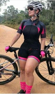 Curvy Quotes, Pedal, Cycling Girls, Bicycle Girl, Curvy Girl Fashion, Biker Girl, Sport Girl, Sexy, Nature