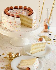 Digestion and Absorption of Carbohydrates - Tricks of healthy life Macaron Foie Gras, Beaux Desserts, New Year's Cake, Cream Recipes, C'est Bon, Finger Foods, Vanilla Cake, Christmas Cookies, Cake Recipes