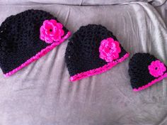 Matching mother/daughter crochet hats with flowers that I made for my cousin Crochet Flower Hat, Crochet Hats, Girls Dresses, Daughter, Stylish, Flowers, Fashion, Knitting Hats, Moda