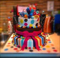 Flo's Cakes: Τούρτα Τριόροφη Δώρακια (8 Kgr) Birthday Cake, Sweets, Desserts, Food, Tailgate Desserts, Birthday Cakes, Deserts, Goodies, Meals