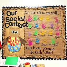 This social contract by kindergartenkindergarten is an awesome idea Definitely save this one for t Classroom Community, Classroom Displays, Future Classroom, Classroom Promise, Community Bulletin Board, Year 1 Classroom, Early Years Classroom, Classroom Door, Kindergarten Bulletin Boards