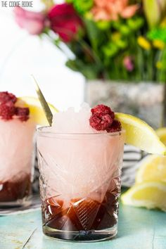 Berry Jam Lemonade Freeze made with strawberry jam and berry lemonade! A refreshing summertime cocktail perfect for any occasion! | thecookierookie.com