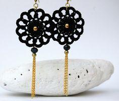 Crochet earrings Round crochet earrings Crochet by lindapaula Pendientes, aretes, zarcillos de ganchillo Black Earrings, Simple Earrings, Round Earrings, Simple Jewelry, Beaded Earrings, Earrings Handmade, Diy Jewelry, Crochet Earrings, Jewelry Making