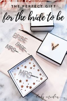 Cozy Home Interior OMG, these hair pins are so adorable and perfect for your bachelorette party! These little pops of bling are perfect for the bride and her babes! Wedding Shower Gifts, Wedding Favours, Gift Wedding, Maid Of Honour Gifts, Maid Of Honor, Bridesmaid Tips, Bridesmaids, Wedding Pins, Hair Wedding