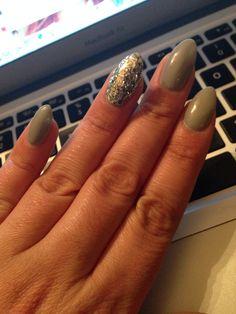Grey with sparkle stiletto nails!!