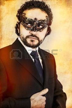 mysterieuze sexy man met artistieke stijl met Venetiaans masker Stockfoto