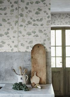 Ginkgo blue, is a wallpaper that proudly host a canvas of Ginkgo leaves. Ginkgo is also known as the Chinese temple tree and is one of the world's oldest trees. In Japan, the ginkgo is a symbol of longevity and strength, hope and peace. Kitchen Wallpaper, Scandinavian Wallpaper, Wallpaper, Decorative Leaves, Green Wallpaper, Bathroom Wallpaper Trends, Eclectic Wallpaper, Light Green, Asian Home Decor