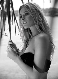 Fiorella Mattheis- brazilian