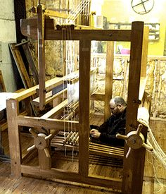 Peter Beaven from Twist Fibre Craft studio set up a large loom donated to the Centre.