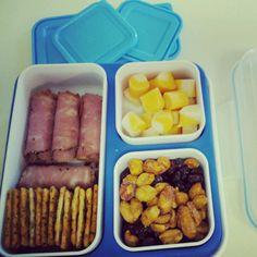 Bento healthy school lunch idea.