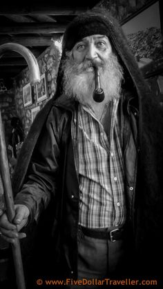 Old man in traditional wool jacket in Pramanta, Greece Black N White Images, Black And White, Life Aquatic, Backpacking Tips, Old Men, People Around The World, Greece, Faces, Portraits