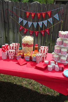 Cutest popcorn party ever!