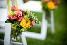 Modern aisle decor in cheerful pink yellow and green