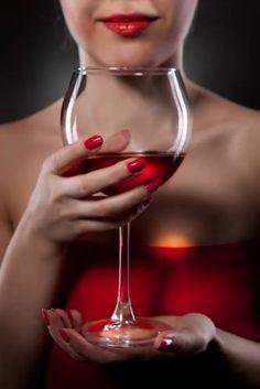 chi non ama le donne e non ama il vino non ha capito nulla nella vita