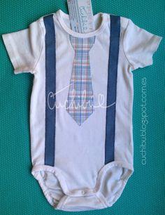 Tiernos #Bodies para #bebés decorados con aplicaciones de tela bordadas a mano…