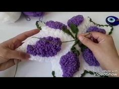LEYLAK LİF Crochet Flowers, Cross Stitch Embroidery, Needlepoint, Crochet Baby, Elsa, Diy And Crafts, Creations, Crochet Patterns, Lily