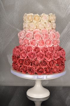 this looks incredible but i don't even know if those are real flowers or icing, let alone whether possible. Elegant Birthday Cakes, Birthday Cake Roses, Elegant Cakes, Sparkle Wedding Cakes, Wedding Cake Roses, Rose Wedding, Bolo Floral, Floral Cake, Beautiful Cake Designs