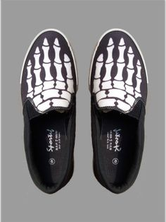 Casual shoes for men : Skull Hands Black Casual Shoes