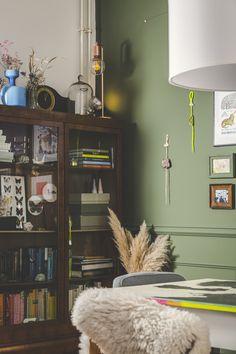 detail wohnzimmer   #livingroom #farrowandball #studiohammel #vitrine