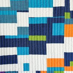 I love the unexpected arrangements of patches when working this way. #improvquilt #modernquilt #mqg