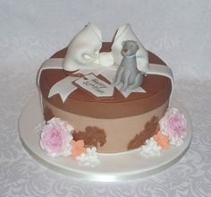 Hatbox with Weimaraner dog birthday cake by Eva Rose Cakes