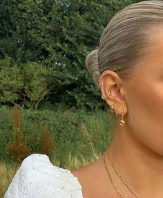 Ear Jewelry, Dainty Jewelry, Cute Jewelry, Jewelry Accessories, Fashion Accessories, Fashion Jewelry, Jewlery, Piercings Bonitos, Pretty Ear Piercings