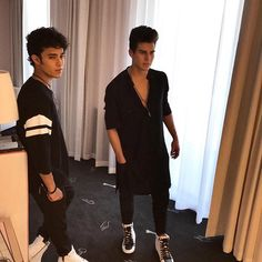 Read Capítulo Confundida Parte 2 from the story Casate Conmigo - Joel Pimentel Y Tu by ohxdior (abzurdah🐍) with reads. Sam Smith, Love You Papa, Memes Cnco, Bff, Twitter Bio, Just Pretend, Emo Boys, Celebs, Celebrities