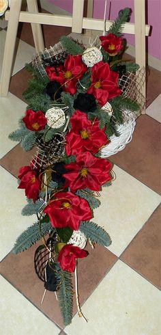 Parviflora - Florystyka żałobna - bukiety ślubne, wiązanki ślubne, kwiaty do ślubu - Łódź Christmas Door Decorations, Christmas Swags, Holiday Decor, Ikebana, Funeral, Flowers, Handmade, Diy, Home Decor