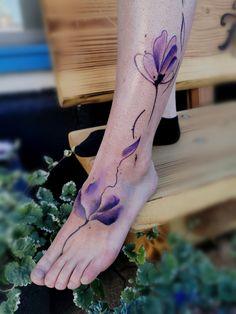 Watercolor Tattoos, girl tattoo, Blumen Tattoo, sexy tattoo, girly tattoo, tattoo idea, tattoo idee, Blumen, Blumen tattoo,Wasserfarben tattoo, watercolor art, watercolor tattoo, best tattoo,Ted2, Surf-ink-Tattoo, geiles tattoo Girly Tattoos, Sexy Tattoos, Cool Tattoos, Tattoo Watercolor, Watercolour, Aquarell Tattoo, Surf, Tattoo, Colors