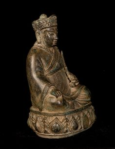 """19th Century Antique Chinese Enlightenment Buddha Statue - 23cm/9  Measures – (Height) 23cm/9""""  A fine quality 19th century Chinese style bronze Buddha Shakyamuni. The Buddha is seated in virasana, cross-legged symbol of Serenity, with both hands in the Bhumisparsa or Calling Earth to Witness mudrā. With fingers slightly touching the ground this position represents the subduing of Mara (a demon) who bombarded Buddha with demons, monsters, violent storms and the three seductive daugh..."""