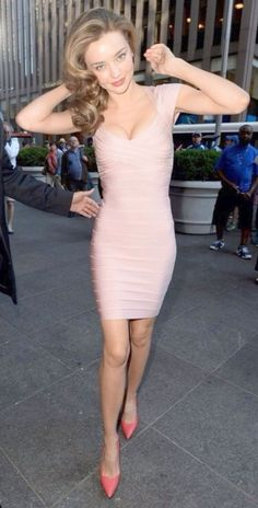 Miranda Kerr In Tight Fitting Blush Pink Bandage Dress Pink Bandage Dress, Bodycon Dress, Pink Dress, Tight Dresses, Short Dresses, Mini Dresses, Miranda Kerr Style, Herve Leger Dress, Love Her Style