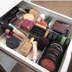 Makeup Dupes, Makeup Kit, Skin Makeup, Makeup Inspo, Makeup Cosmetics, Beauty Makeup, Makeup Storage Organization, Makeup Rooms, Makeup Collection