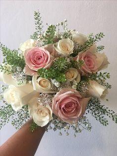 Ramo de novia clásico  Diseños propios de  Flores de Mallorca