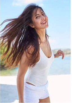 Katrina bids farewell to Maldives with this heart-melting pic!