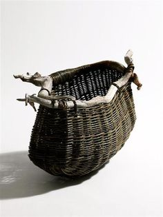 Joe Hogan has been making baskets at Loch na Fooey since 1978 and in that time has earned a reputation for making strong, durable baskets of the highe. Big Basket, Basket Bag, Willow Weaving, Basket Weaving, Contemporary Baskets, Making Baskets, Organic Art, Irish Traditions, Pine Needles