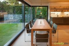 Bauhaus Style Residence Enclosing a Delightful Garden: Villa Wiese in Berlin Interior Simple, Interior And Exterior, Exterior Wall Cladding, Kitchen Dinning Room, Dining Area, Dining Table, Home By, Bauhaus Style, Timber Panelling