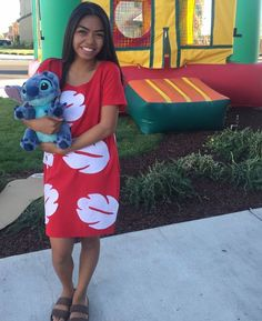 DIY Lilo costume the lilo dress is at hot topic lol Halloween Outfits, Character Halloween Costumes, Diy Halloween Costumes For Women, Halloween Cosplay, Disney Characters Costumes, Lilo Costume Halloween, Diy Disney Costumes, Walt Disney, Disney Day