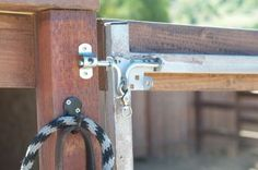 Easy ways to make paddock gates safe! http://www.proequinegrooms.com/index.php/tips/barn-management/easy-ways-to-make-your-horse-paddock-gates-safe/