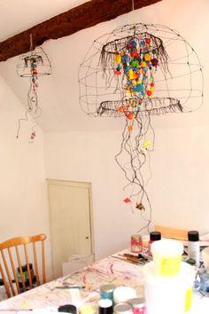 Caroline Riegert Mobiles, Scandinavian Christmas Decorations, Mobile Art, Wire Crafts, Outdoor Art, Recycled Art, Wire Art, Art Plastique, Installation Art
