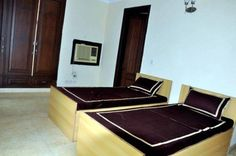 #stay4u #female #payingguest #delhi Paying Guest, Rooms For Rent, Serviced Apartments, Property Listing, India, Female, Goa India, Indie, Indian