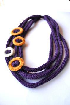 Collana lana, tricot, viola, cerchi, ocra, panna, intreccio