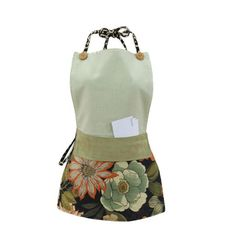 Pretty Apron with Front Pocket.